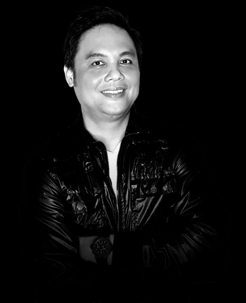Agus Tjandra sebagai instruktur pelatihan bisnis